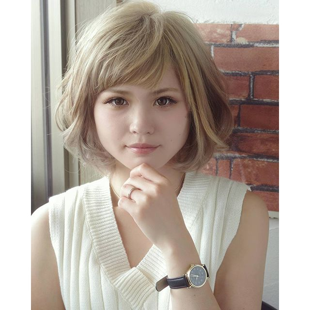 グレージュカラー日差しを味方にして透明感を出せますよby小高#カラー #color #カット #美容室 #アッシュ #パーマ #cut #ボブ #髪型 #ショート #style #girl #pretty #撮影 #cute #モデル #前髪 #髪 #ヘアカタログ#fashion #makeup #hairstyle #hair #グレージュ