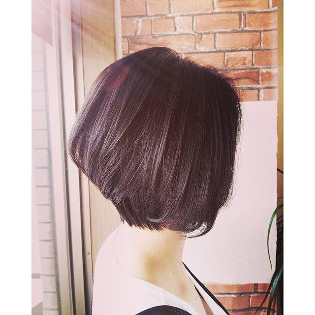 顔周り出すのイヤだけど、後頭部ぺたんこも気になる方にオススメ★後頭部ふんわりの前下がりスタイル#fashion #makeup #hairstyle #hair  #カット #カラー #cut #ショート #ボブ #イメチェン #髪型 #グラデーション #girl #大人女子 #前下がりボブ #黒髪 #暗髪 #郡山 #美容室 #イマジンヘアー