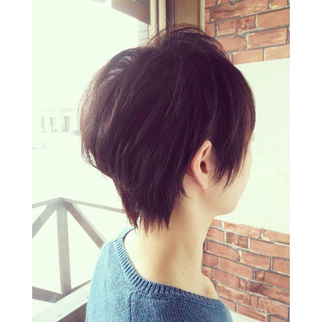トップがぺたんとなってしまう軟毛の方は、根元中心にパーマをかけるとふんわりした髪型になりますよ♪#fashion #makeup #hairstyle #hair #カット #cut #美容室 #パーマ #ショート #髪型 #イメチェン #黒髪 #perm #カラー #セット #郡山 #イマジンヘアー #美容室イマジン
