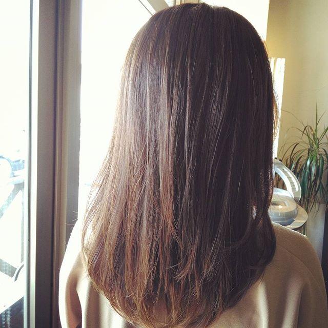 春にオススメマットカラーです☆重たく見える方にはとても人気なヘアカラーです☆あまり明るくできないか方も陽射しによって表情が変わるマットカラーはオススメですよ♪#fashion #makeup #hairstyle #hair #カラー #color #美容室 #カット #ヘアスタイル #美容師 #ヘアカラー #髪型 #cut #撮影 #トリートメント #haircolor #ヘア #春 #イメチェン #ハイライト #ブリーチ #ベージュ #写真 #髪 #美容室イマジン #イマジンヘアー #郡山