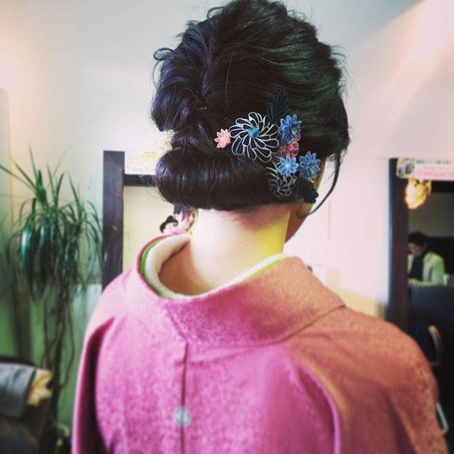 今日は高校の卒業式でした♪タイトになりすぎず柔らかさも残したヘアスタイルにしましたぜひ、卒業式はイマジンへお越しくださいね☆#fashion #makeup #hairstyle #hair #美容室 #ヘアスタイル #美容師 #ヘアアレンジ #ヘアサロン #hairstyle #髪型 #アレンジ #ヘアセット #編み込み #ヘアカタログ #ファッション #卒業式 #セット #髪 #郡山 #イマジンヘアー #美容室イマジン